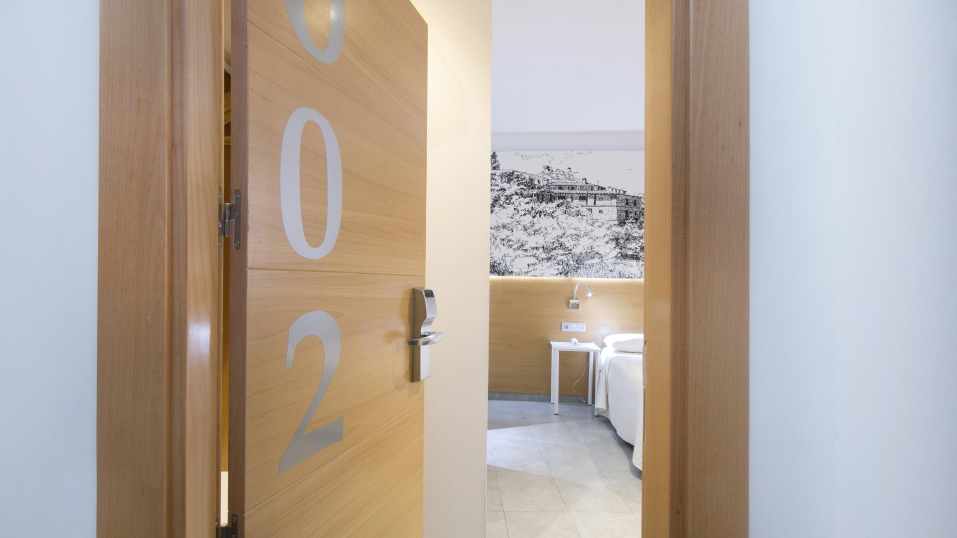 Habitaciones - Hostal Atenas, Hotel en Granada, Centro de ...